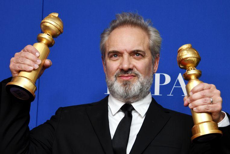 De Britse regisseur Sam Mendes met zijn twee Golden Globes voor 'Beste Regie' en 'Beste Film'.