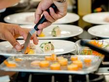 Bijna vijftig koks aan de slag voor ouderen tijdens Heel Veghel Bakt