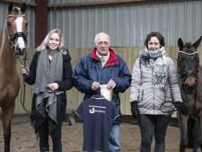 Maureen uit Rijssen runt samen met haar moeder en opa een winkel voor paardenkruiden