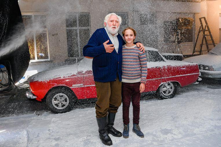 Net als in 'Niet schieten' speelt Jan Decleir in 'De familie Claus' de grootvader van Mo Bakker.