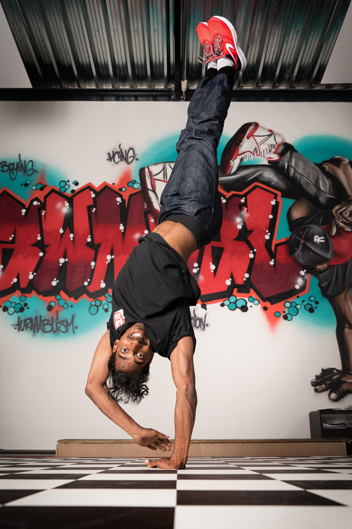 Breakdancer en dansleraar Ranil 'Rawneal' van Peperstraten.