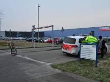Vrouw van haar fiets gereden in Waalwijk