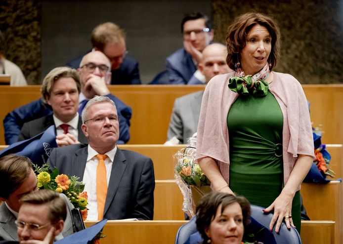 Helma Lodders (VVD) uit Zeewolde kreeg onder meer twintig exemplaren van het boek 'De toekomst van het platteland'. Die heeft ze 'voor eigen gebruik gehouden'.