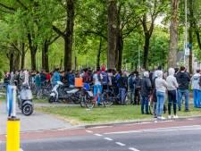 Motorrijder (19) komt om bij ongeluk in Tilburg, grote groep kijkers moet weg van politie