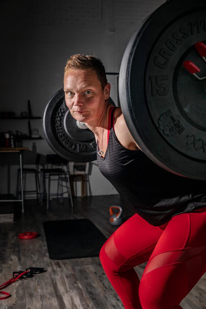 """Christel Thuis-Willems, Eigenaresse Personal Sports Brummen.  ,,Juist als je dikker bent, moet je in beweging komen."""""""