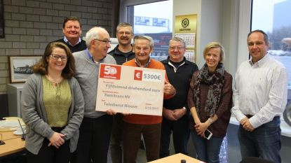 Remitrans schenkt Teledienst cheque van 5.300 euro
