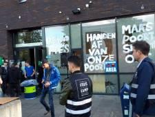Vrijwilligers op actieavond De Poort: 'Als Ufuk niet luistert beginnen we ergens anders eigen jongerencentrum'
