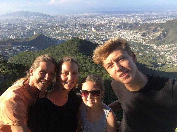 Het hele gezin in Mexico.