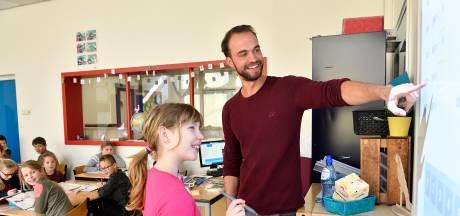Opleiding voor basisschoolleraar in trek bij zij-instromers: aanmeldingen pabo verdubbeld