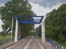 Drie dagen lang hinder door noodreparatie van brug in Emmeloord