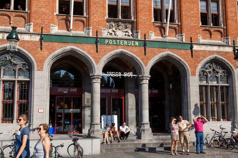 Modeketen Sissy Boy is gevestigd in de oude site van de Post op de Markt