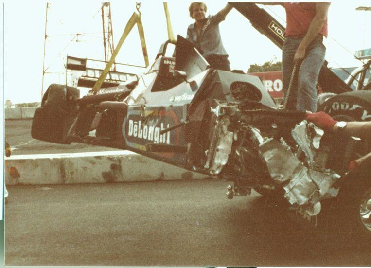 Zo zag de verbrijzelde Tyrellwagen eruit na Brundle's crash.