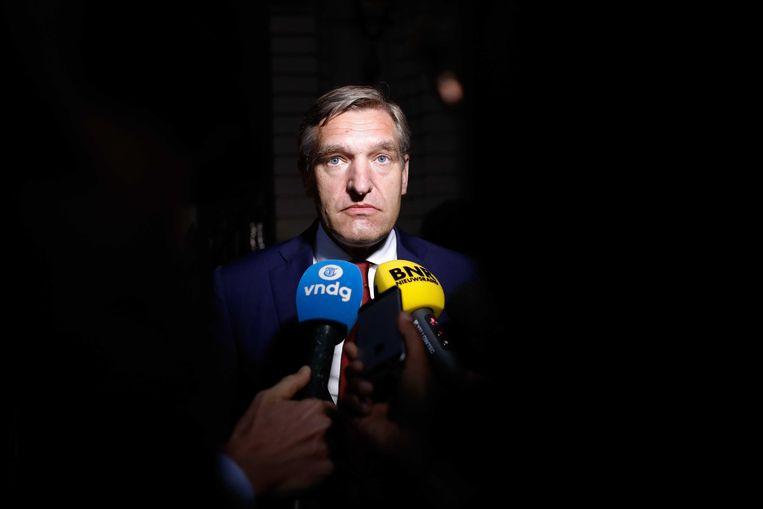 Sybrand van Haersma Buma verlaat het Johan de Witthuis na de formatiegesprekken met informateur Gerrit Zalm. Beeld ANP