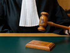 Vier jaar celstraf voor man die keel van dochter (2) met stanleymes doorsneed