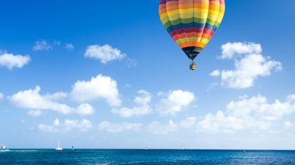 """Hulpdiensten rukken massaal uit voor """"man die uit luchtballon in zee valt"""""""
