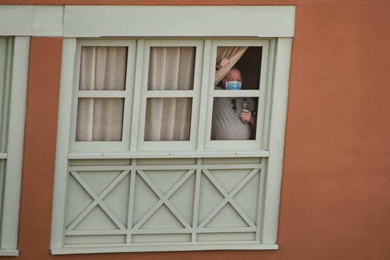 De gasten van het hotel Costa Adeje Palace in Tenerife moeten wellicht twee weken binnen blijven