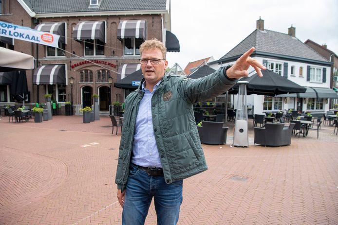 Leo Hoksbergen is de nieuwe kwartiermaker van Ommen. Hij moet zorgen voor een bruisende binnenstad, als hier op de Markt.