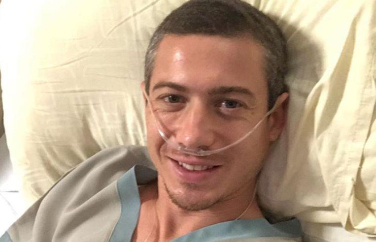 John-John Dohmen in het ziekenhuis.