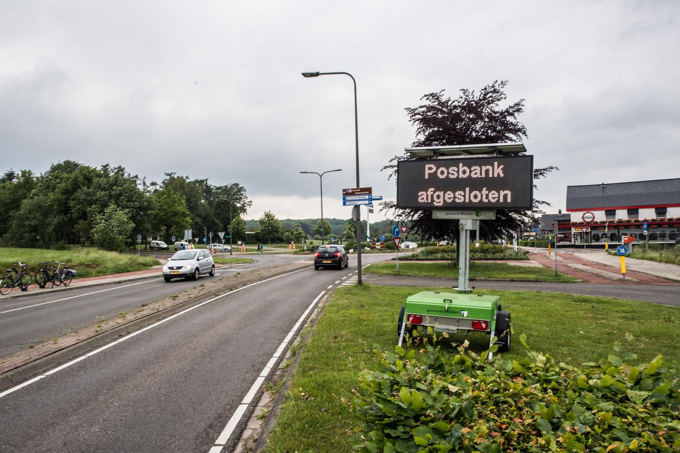 Park Veluwezoom, waar ook de populaire Posbank ligt, is tot nader order afgesloten voor publiek.