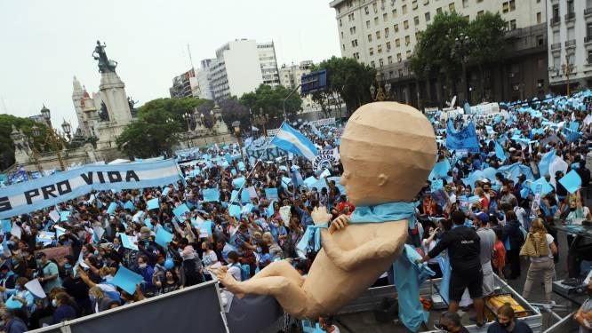 Argentijnse antiabortusactivisten de straat op in aanloop naar parlementair debat
