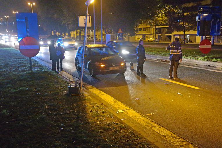 Aan het ongeval lagen nog enkele zaken van de voetganger verspreid over het wegdek.