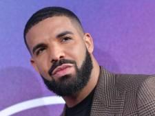 Drake toont 2-jarige zoontje voor eerste keer aan de buitenwereld