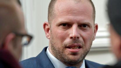"""Francken op ontradingsmissie in Albanië: """"Duidelijk maken dat asielzoekers niet welkom zijn"""""""