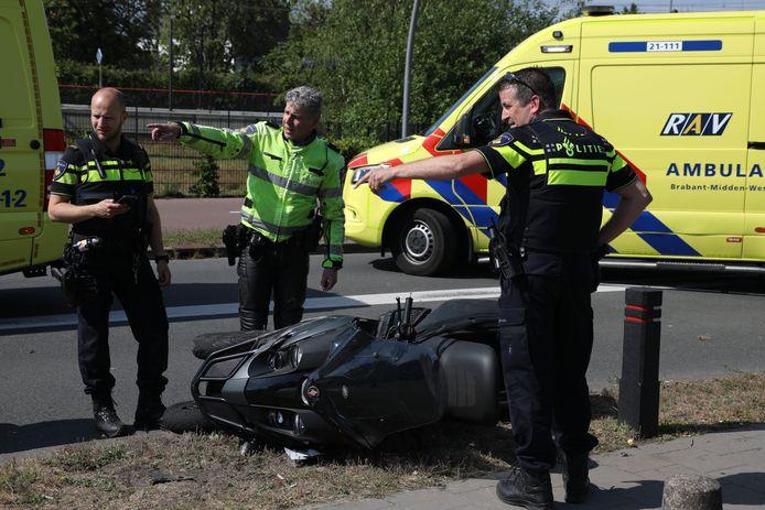 Bij een ongeval met een driewielige motorscooter op de Gasstraat in Oss zijn dinsdagmiddag twee mannen gewond geraakt.
