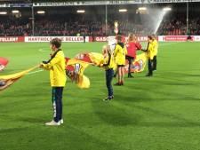 Blote benen van Deventer Dion leveren al meer dan 1000 euro op voor het goede doel
