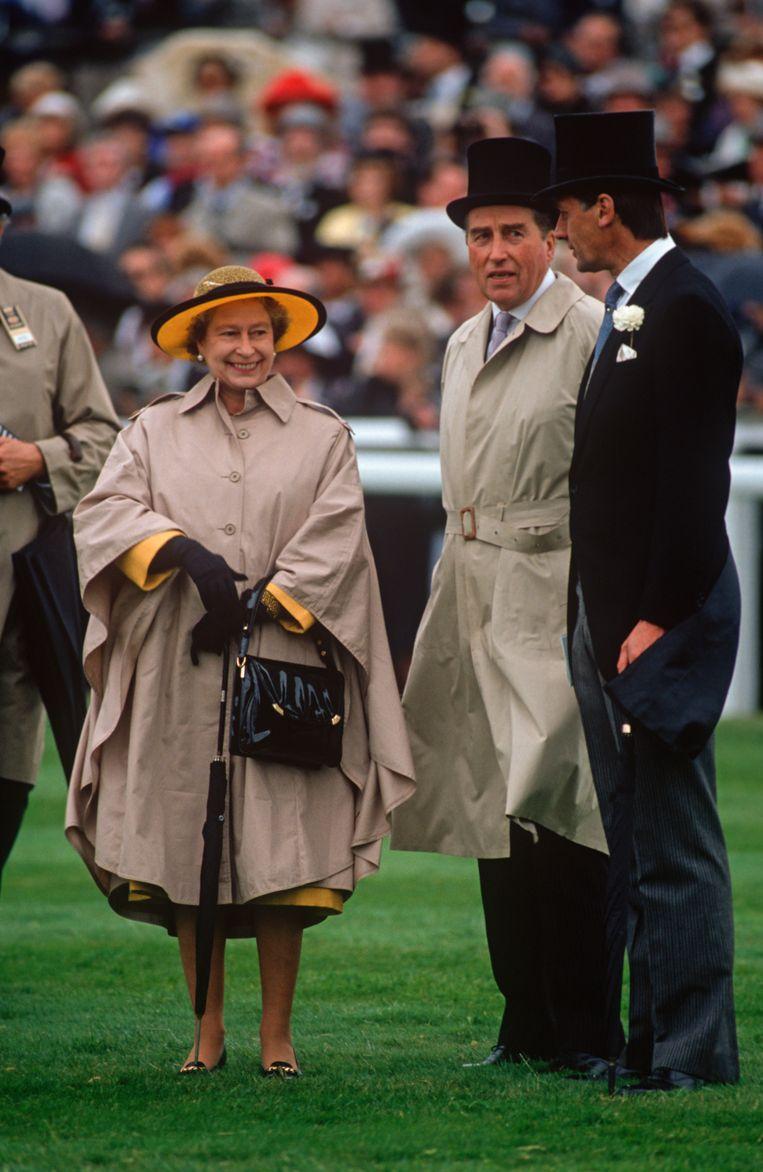 Queen Elizabeth II en Lord Porchester.