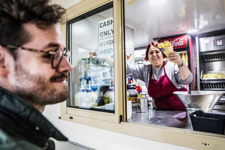 Belgen hebben respect voor hun frietkot: 'De Hollander benadert friet te veel als voedsel' - Volkskrant
