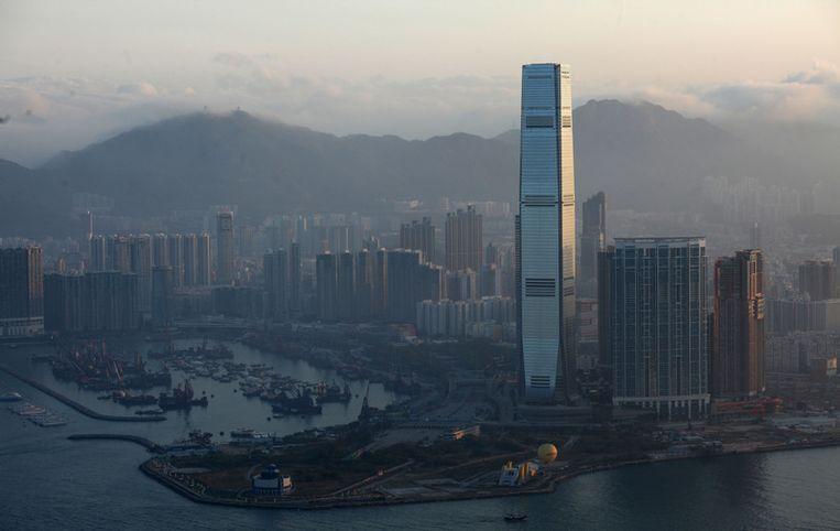 De hoogste wolkenkrabber van Hong Kong, het International Commerce Centre, met uitzicht op Victoria Harbour. FOTO AFP Beeld