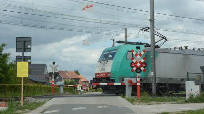 Infrabel vervangt stapsgewijs alle spoorwegovergangen op lijn Antwerpen-Gent door tunnels of bruggen