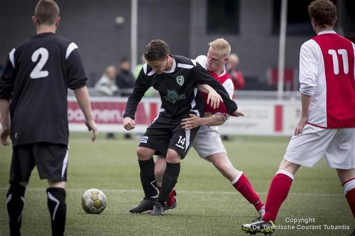 Hector speelde gelijk tegen MEC: 2-2.