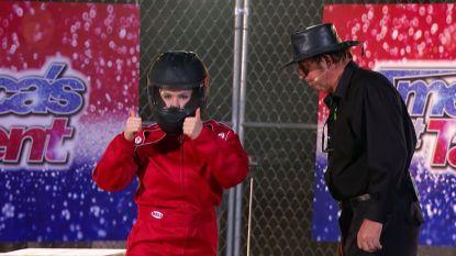 Ongezien in 'America's Got Talent': meid van 21 blaast zichzelf op in waanzinnige stunt