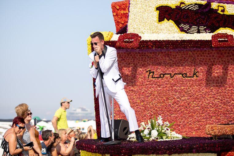 Elvis en co. wonnen de bloemenstoet