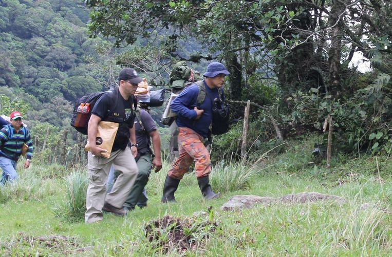 In Panama werd intensief gezocht naar Lisanne en Kris. De ouders loofden veertigduizend euro uit voor een gouden tip. Beeld EPA