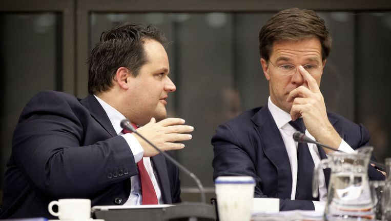 Premier Mark Rutte en minister Jan Kees de Jager (L, Financien). © ANP Beeld null