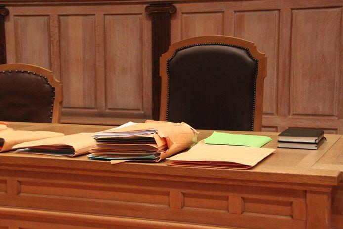 Voor de derde keer belandde een dossier van partnergeweld van de man uit Menen op de tafel van de rechter.