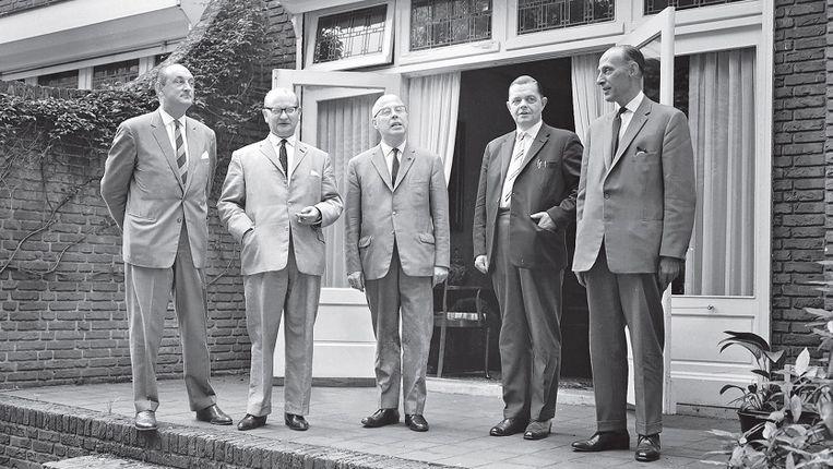 Informateur Beel (midden) met fractieleiders van VVD, KVP, CHU en ARP. In 1963 hadden de christelijke partijen nog tezamen een meerderheid. Beeld ANP