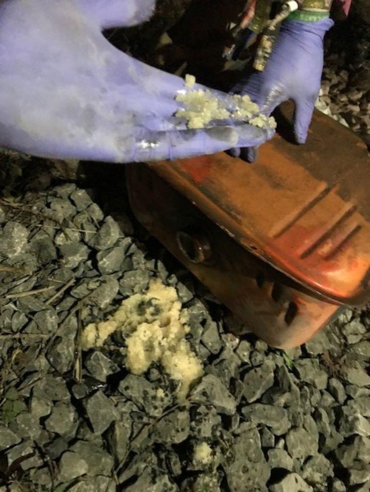 De suiker werd nog uit de benzine gehaald, maar het kwaad was al geschied en de tractoren zijn nu defect.