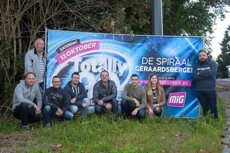 MIG haalt de Totally 90's en Nillies party naar Geraardsbergen.