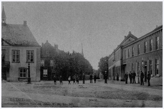 Een gedeelte van de Markt in Budel in het begin van de vorige eeuw.