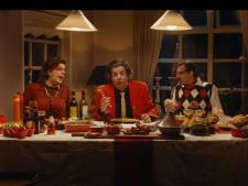 Snollebollekes giet geheel eigen sausje over kerst met nummer 'Beuk de ballen uit de boom'