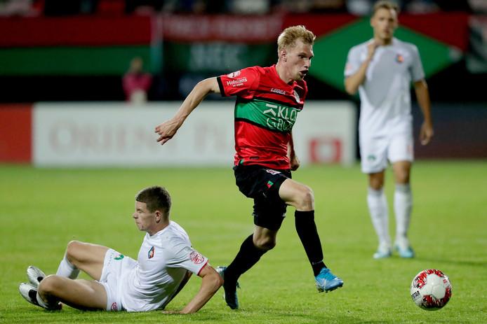 Jellert van Landschoot was een van de zes selectiespelers maandagavond bij Jong NEC.