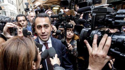 Vijfsterrenbeweging en extreemrechtse Lega sluiten akkoord: Italianen krijgen basisinkomen van 780 euro