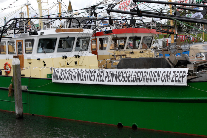 In 2008 stonden mosselvissers en natuurorganisaties lijnrecht tegenover elkaar in een hard conflict over visserij op de Waddenzee.