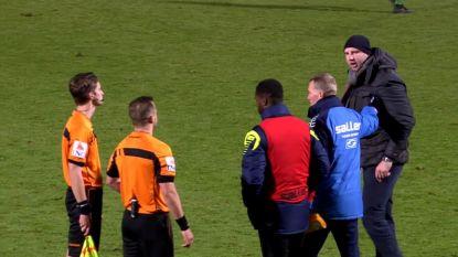 """Razende Bob Peeters gaat ref net niet te lijf na verlies Westerlo tegen Beerschot-Wilrijk: """"Het boeit me niet als ze me schorsen tot het einde van het seizoen"""""""