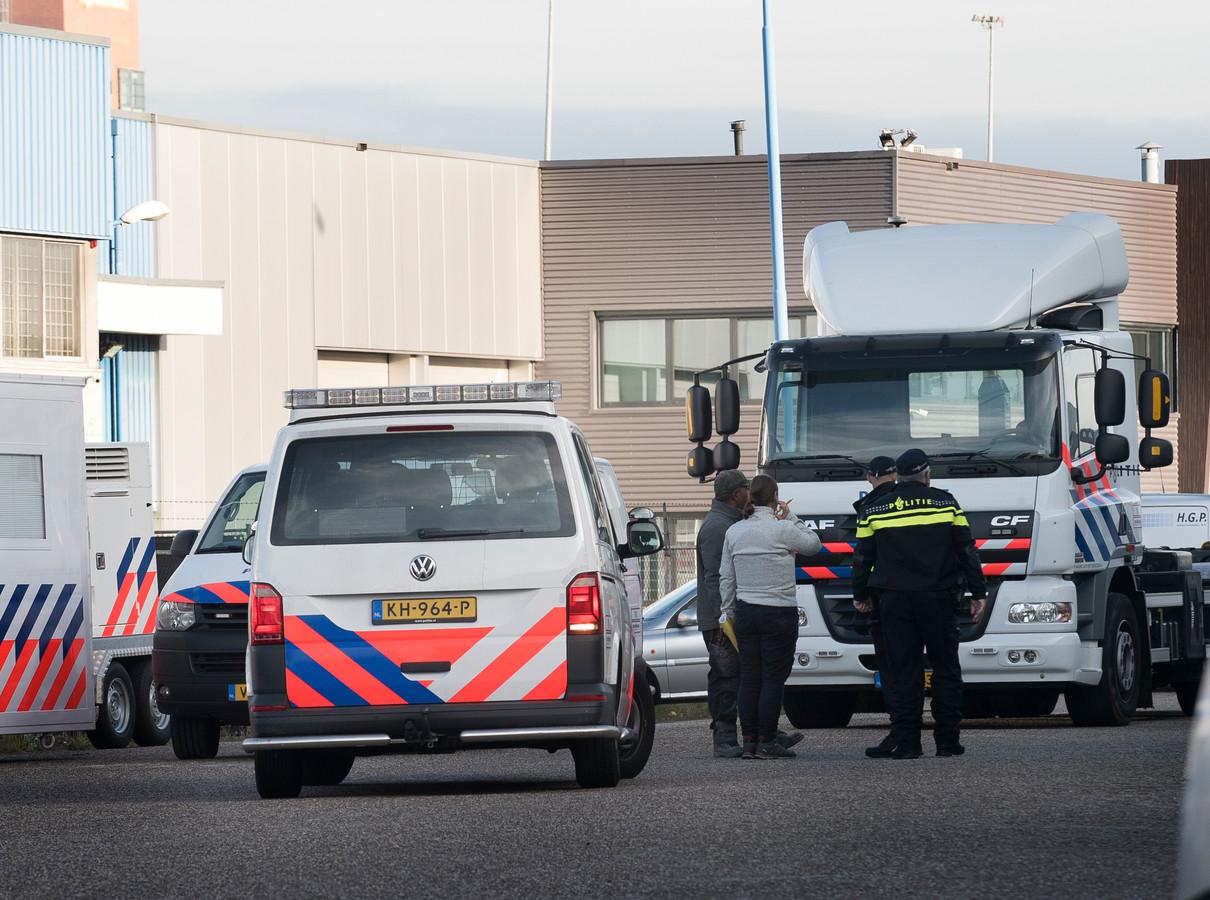 Grote politieactie op bedrijventerein Ravenswade.