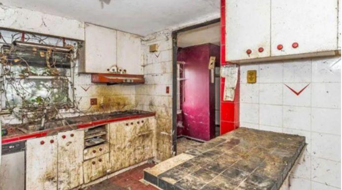 Les photos de cette maison à vendre sont toutes plus inquiétantes les unes que les autres.
